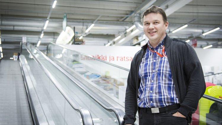 Keväällä 2017 ovensa avaava Palokan myymälä palvelee yli 200 000 asukkaan talousaluetta Kärkkäisen menestyskonseptilla: laajat, erikoisliiketasoiset käyttötavaravalikoimat, edullinen hintataso ja hyvä palvelu.