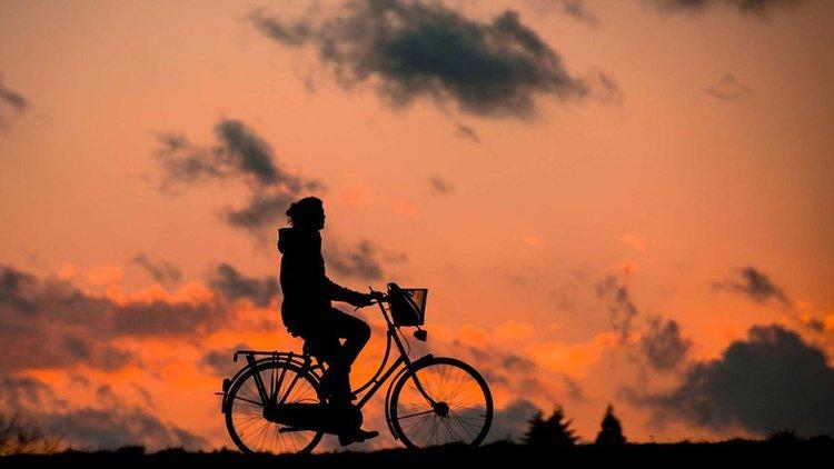 Polkupyörä on ekologinen ja mukava kulkupeli.