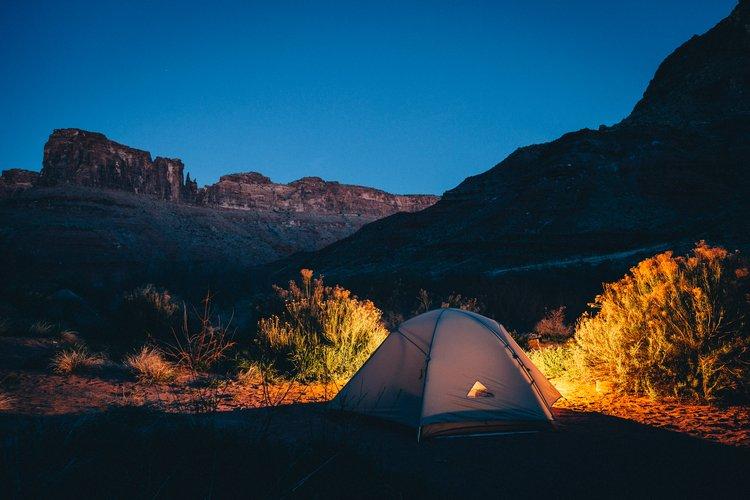 Telttailu keskellä upeaa luontoa on elämys.