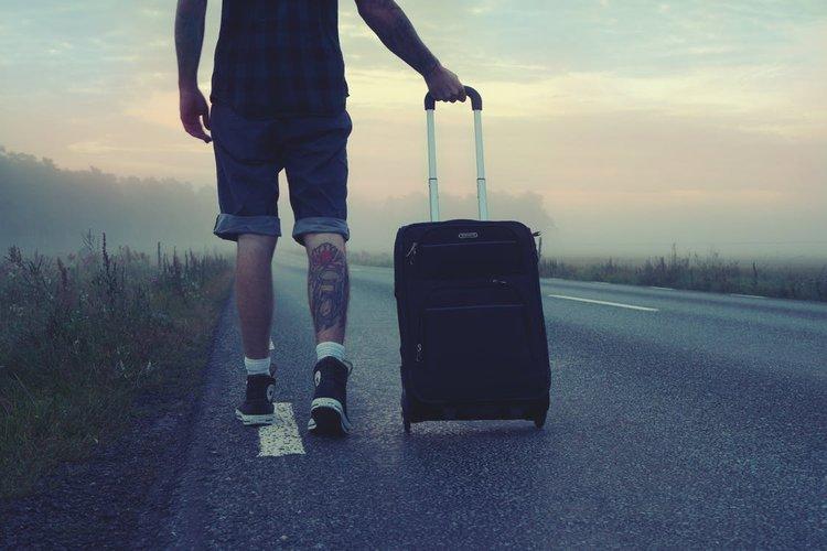 Pieni matkalaukku on keveä kuljettaa mukana.