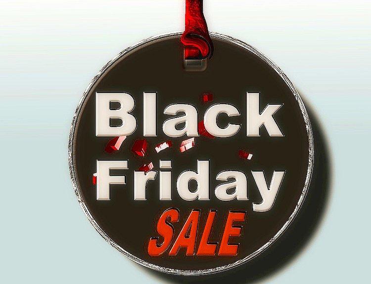 Black Friday on yksi syksyn kovista alennusmyynneistä.