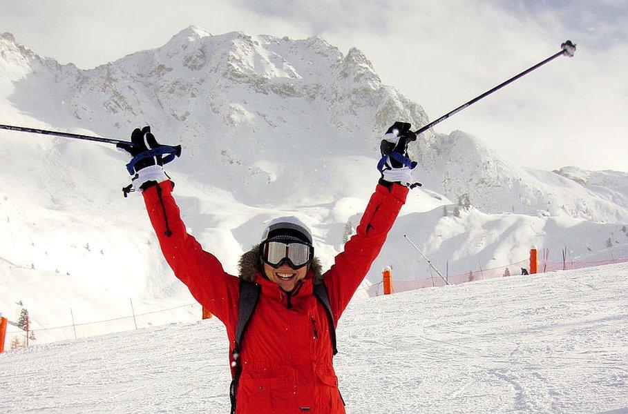 Laskettelu on hyvä talviurheiluharrastus.