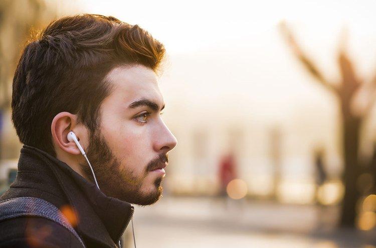 Parranhoito on osa miesten päivittäistä ihonhoitoa.