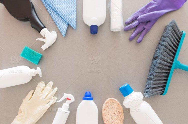 Kaikki välineet kodin puhdistukseen Kärkkäiseltä.