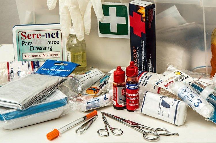 Ensiapupakkaus on kodin tärkein perusterveydenhuollon väline.