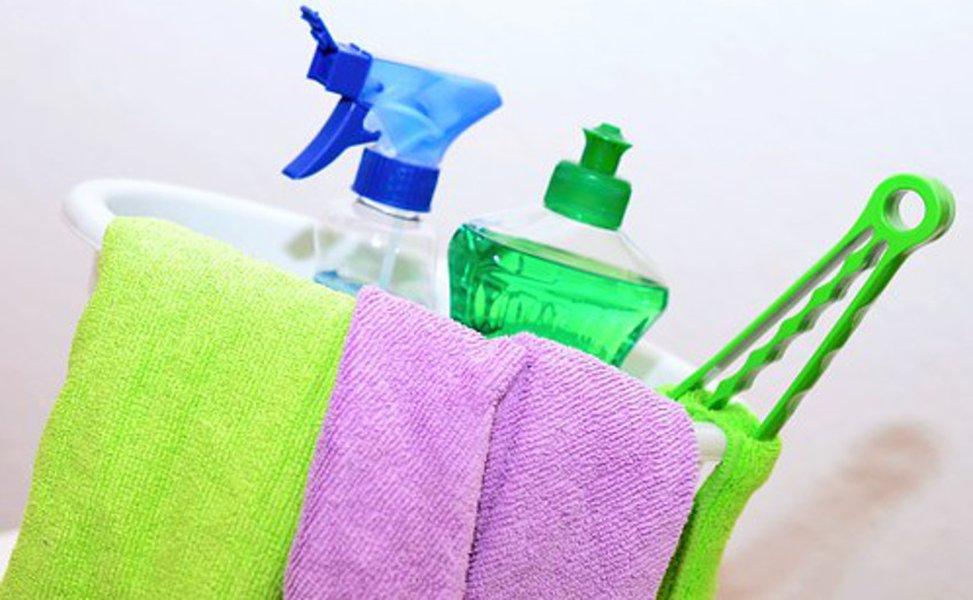 Yleispesuaineet sopivat nimensä mukaisesti yleiskäyttöön. Lisäksi on olemassa pesuaineita eri tarkoituksiin.