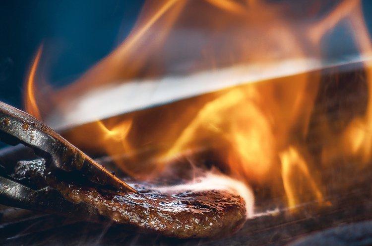 Grillaus on helppoa ja vaivatonta herkuttelua. Muurikka grillaustarvikkeet ja lisävarusteet monipuolistavat ruoanlaiton mahdollisuuksia.