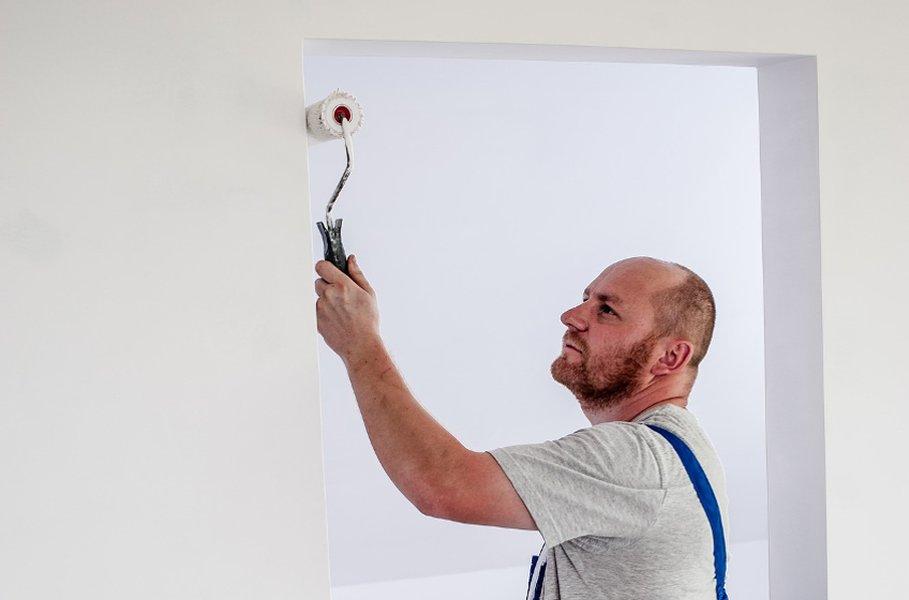 Maalamalla remontoit nopeasti ja helposti. Työkalut kannattaa pestä ennen käyttöönottoa, jotta mahdollisest irtokarvat lähtevät ennen maalausta.