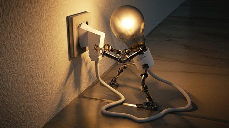 Tilaa valaisintarvikkeet netistä helposti ja edullisesti.