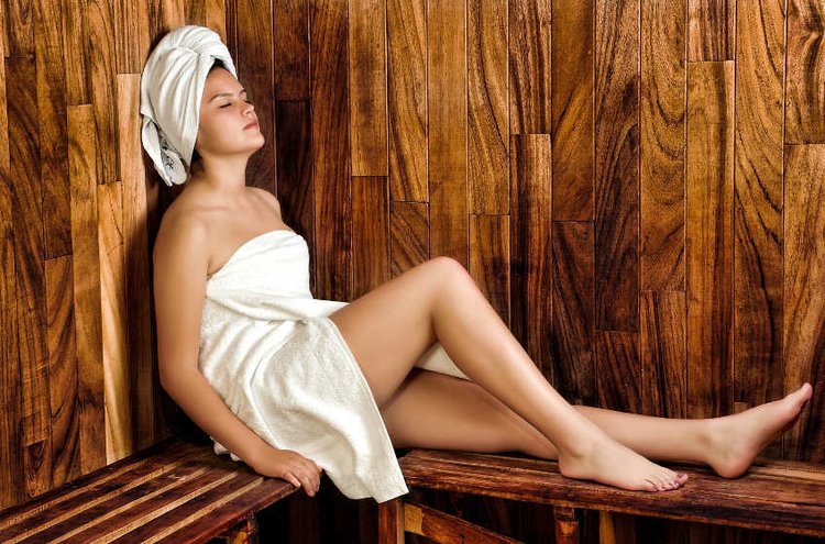 Sauna ja kylpyhuone kannattaa suunnitella niin, että se on käytännöllinen mutta myös viihtyisä ja kaunis.