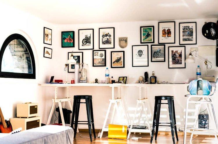 Kotitoimisto voi olla persoonallinen ja täynnä hauskoja yksityiskohtia.