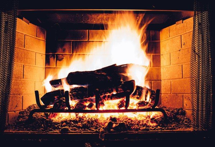 Elävää tulta on rentouttava katsella.