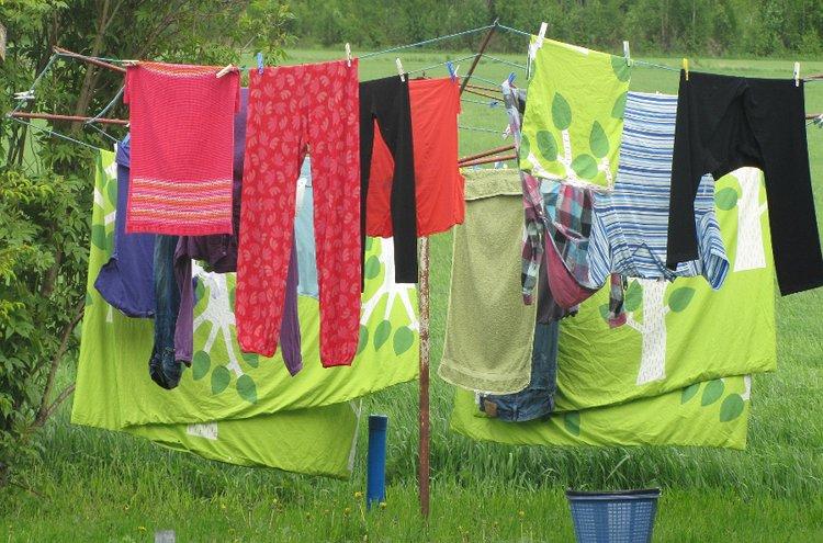 Tekstiilien pesuaineet vaikuttavat lopputulokseen. Pyykit tulisi myös lajitella värin, materiaalin ja likaisuuden mukaan.