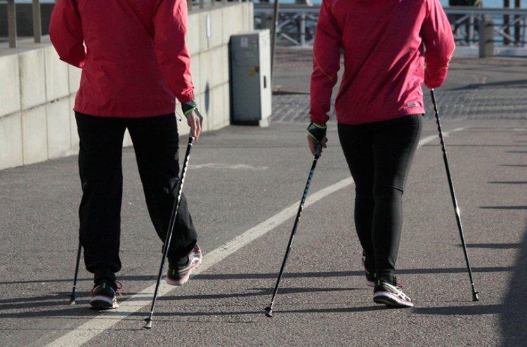 Kun oikea tekniikka on hallussa, sauvakävely on erittäin tehokas liikuntamuoto.