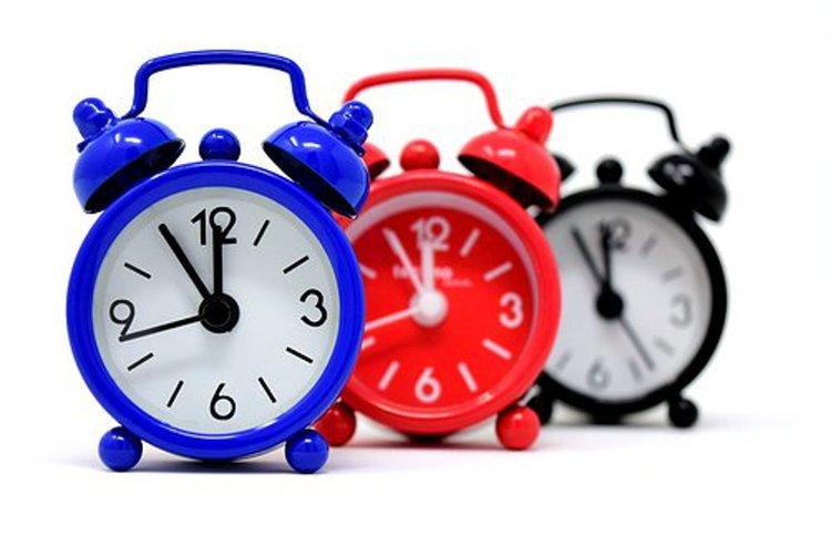 Oman kellon avulla lapsi oppii aikakäsitteet mukavasti.
