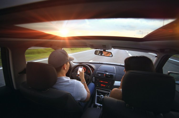 Hyvät kaiuttimet takaavat hyvän äänentoiston, joilla autoilu muuttuu silkaksi nautinnoksi.