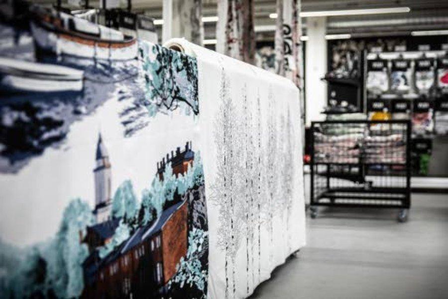 Vallilan kaupunkikuoseista on metrikankaiden lisäksi saatavissa esimerkiksi pussilakanasettejä, tyynyliinoja ja kappoja.