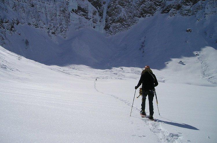 Lumikengät ovat parhaimmillaan mäkisessä ja vaikeakulkuisessa maastossa.