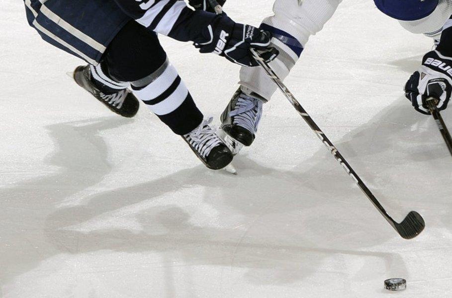 Tilaa netistä tarpeisiisi parhaiten sopivat jääkiekkoluistimet ja luistele mukaan jääkiekon vauhdikkaaseen maailmaan!