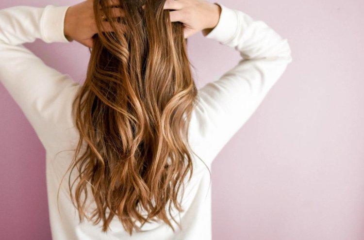 Hoitoaineen tarkoitus on suojata hiuksia päivittäisen käsittelyn ja ympäristön aiheuttamilta rasituksilta. Tilaa verkkokaupasta juuri sinun hiuksillesi sopiva hoitoaine ja pidä hiuksesi terveinä ja puhtaina pidempään.