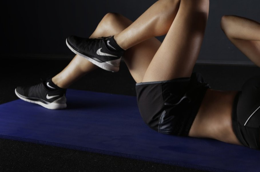 Voimistelun avulla turvaat liikunnan monipuolisuuden. Kuntoilurutiinit on helppo laittaa kuntoon muutaman pienikokoisen ja edullisen jumppavälineen avulla, vaikkapa kotioloissa!