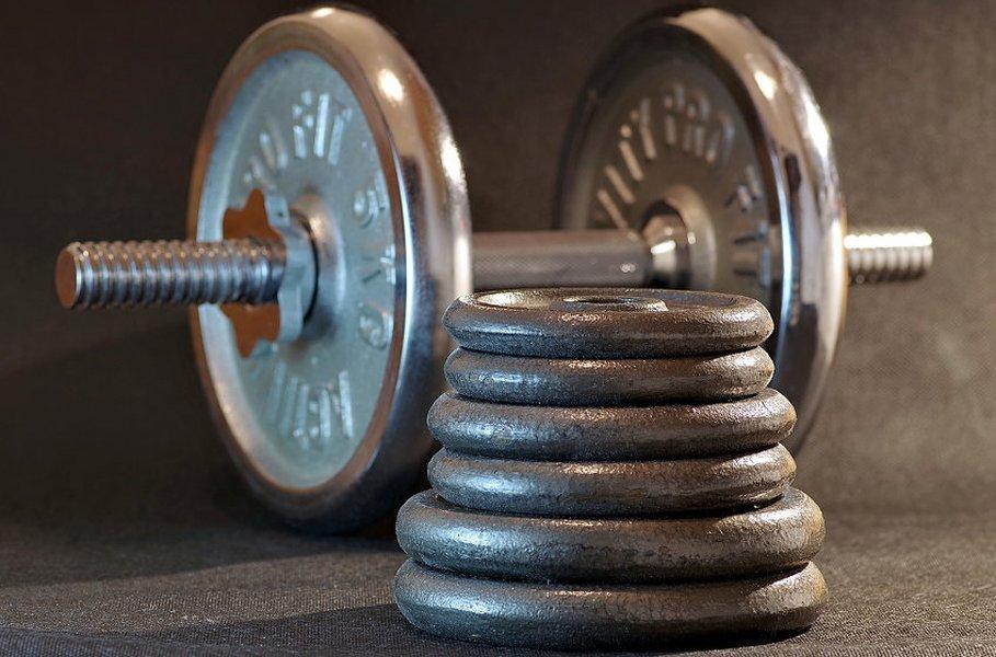 Säännöllinen voimaharjoittelu ja terveelliset elämäntavat vaikuttavat positiivisesti niin mielenlaatuun kuin ulkomuotoonkin.