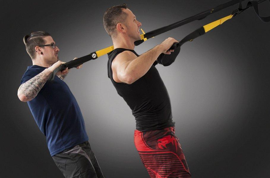 Miesten tekniset urheiluvaatteet kestävät hyvin kulutusta, hikeä ja toistuvaa pesua.