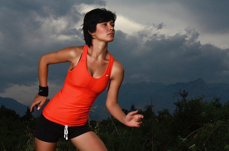 Tyylikkäät naisten urheiluvaatteet näyttävät hyvältä ja kannustavat parempaan suoritukseen!