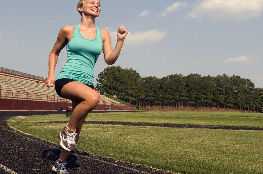 Naisten juoksukengät tulisi valita paitsi juoksutyylin, myös käyttäjän ruumiinrakenteen, jalan muodon sekä maaston mukaan.