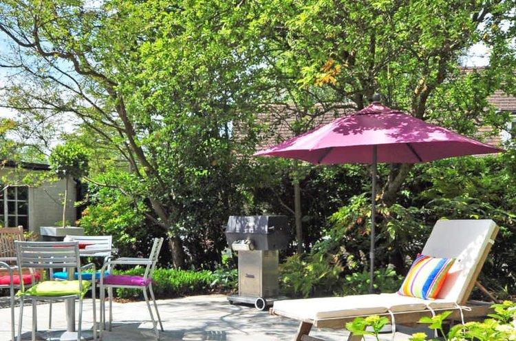 Tilaa ulkokalusteisiisi sopivat, laadukkaat ja tyylikkäät pehmusteet ja nauti ihanista kesän hetkistä mukavasti omassa kodissasi!