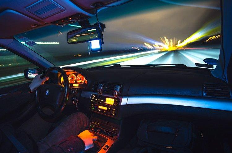 Laadukas ajoneuvokamera kuvaa luotettavasti kaikissa olosuhteissa.