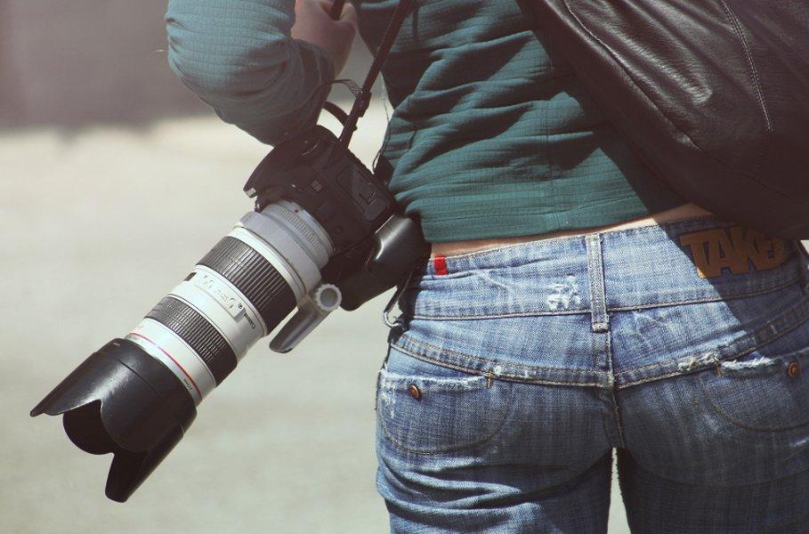 Järjestelmäkameralla kuvaaminen vaatii hieman opettelua, mutta monipuolisuus ja kuvien loputon säätäminen on osa kuvaamisen viehätystä!