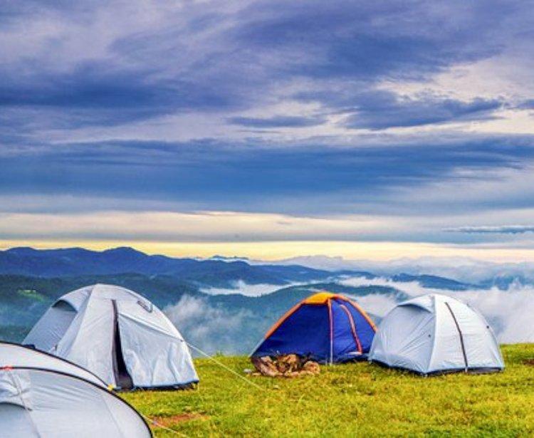 Täytettävät makuualustat mahdollistavat virkistävät yöunet myös pidemmillä vaellusreissuilla.