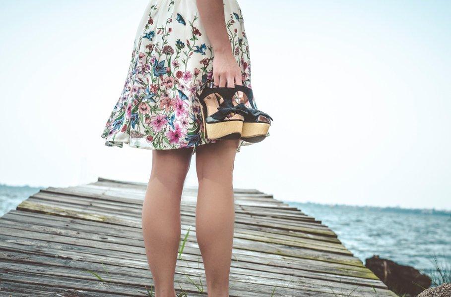 On tarua, ettei muodokkaalle naiselle löydy sopivia farkkuja tai istuvaa minihametta. Naisten housut ja hameet pukevat kaikkia vartalotyyppejä - kunhan vain valitsee itselle parhaimman mallin.