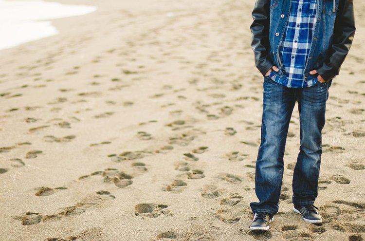 Laadukkaat miesten housut kestävät kulutusta ja katseita.