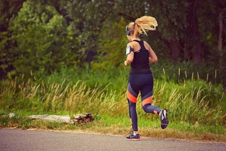 Aktiivisuusranneke innostaa lähtemään lenkkipolulle!