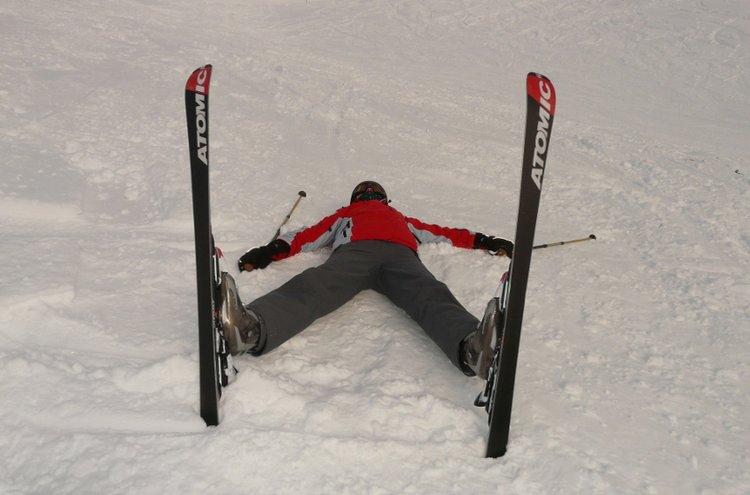 Hyytyikö hiihtäjän vauhti? Ei hätää, Kärkkäiseltä löytyy varaosat suksiin ja sauvoihin, sekä muut varusteet hiihtourheiluun kaikissa harrastajatasoissa!