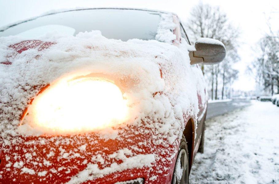 Maskisuojat estävät lumen ja ajoviiman pääsemisen auton moottoritilaan.