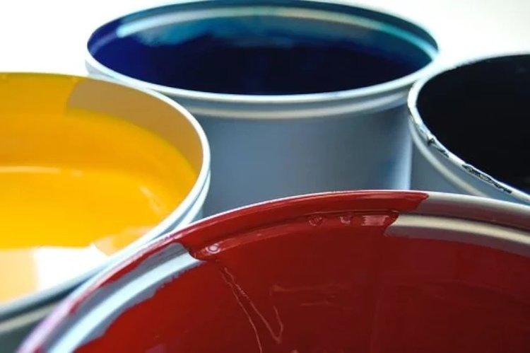 Maalit suojaavat pintoja sekä tuovat väriä elämään.