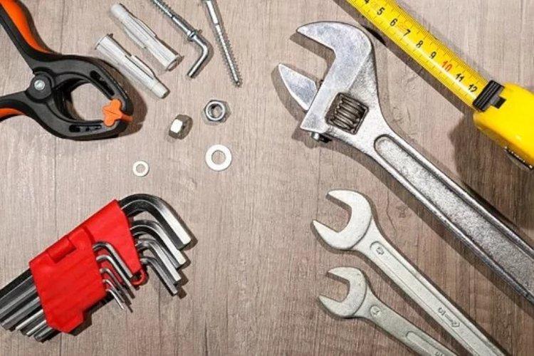 Laadukas työkalusarja toimii kotona sekä töissä pitkäikäisenä apulaisena.