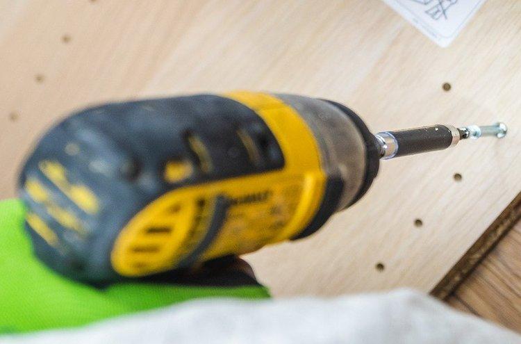 Ruuvinvääntimissä riittää tehoa. Ne soveltuvat erinomaisesti kaikkiin kodin kunnostus- ja rakennustöihin, sekä huonekalujen kokoamiseen.