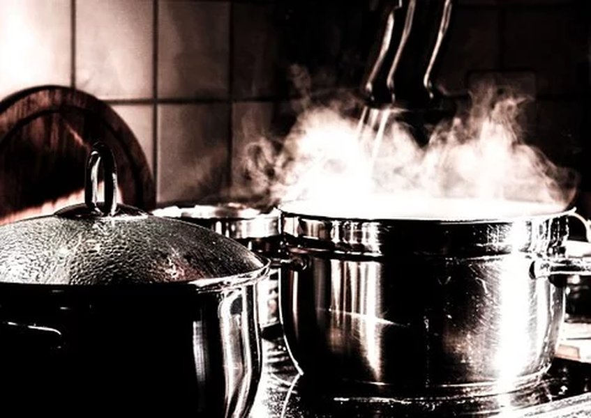 Muutama perus kattila mahdollistaa kotona monipuolisen ruoan valmistamisen.